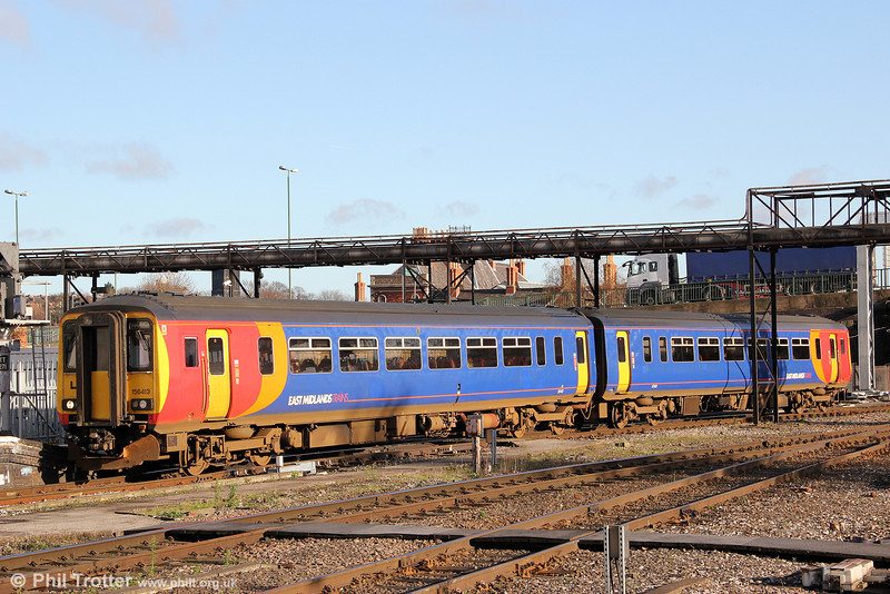 EMT's 156413 arrives at Nottingham forming 2S10, 1015 from Skegness on 28th November 2012.