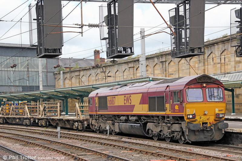 66187 passes through Carlisle with 6K05, 1218 Carlisle Yard to Crewe Basford Hall on 7th August 2012.
