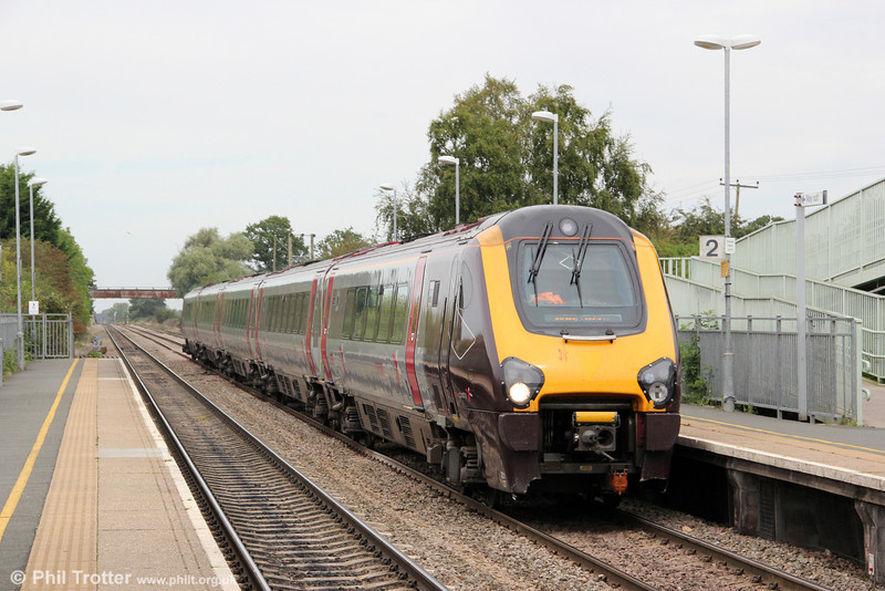221127 heads through Ashchurch forming 1V53, 1107 Manchester Piccadilly to Bristol Temple Meads on 1st September 2012.