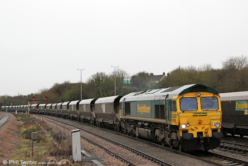 66553 pulls into Stoke Gifford Yard with 4V46, 1115 from Rugeley Power Station on 18th February 2012.
