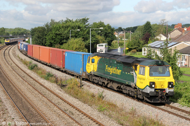 70009 passes Undy with 4O51, 0958 Wentloog to Southampton on 20th August 2012.