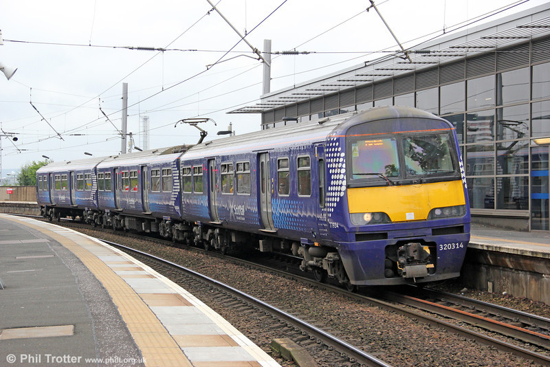 320314 terminates at Partick forming 2L05, 0925 from Larkhall on 5th August 2012.