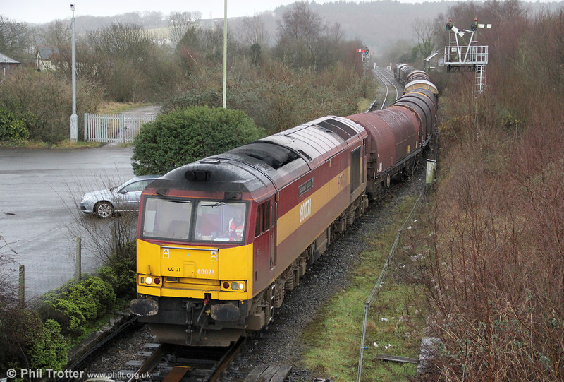 60071 'Ribblehead Viaduct' arrives at Tondu with 6H25, Margam to Llanwern on 21st January 2012.