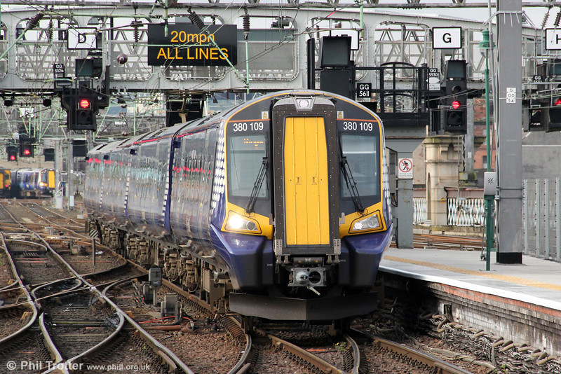 380109 pulls into Glasgow Central forming 2K62, 0713 from Ayr on 6th August 2012.