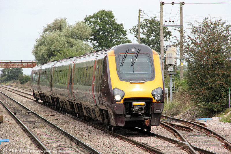 221005 passes Ashchurch forming 1V51, 1007 Manchester Piccadilly to Bristol Temple Meads on 1st September 2012.
