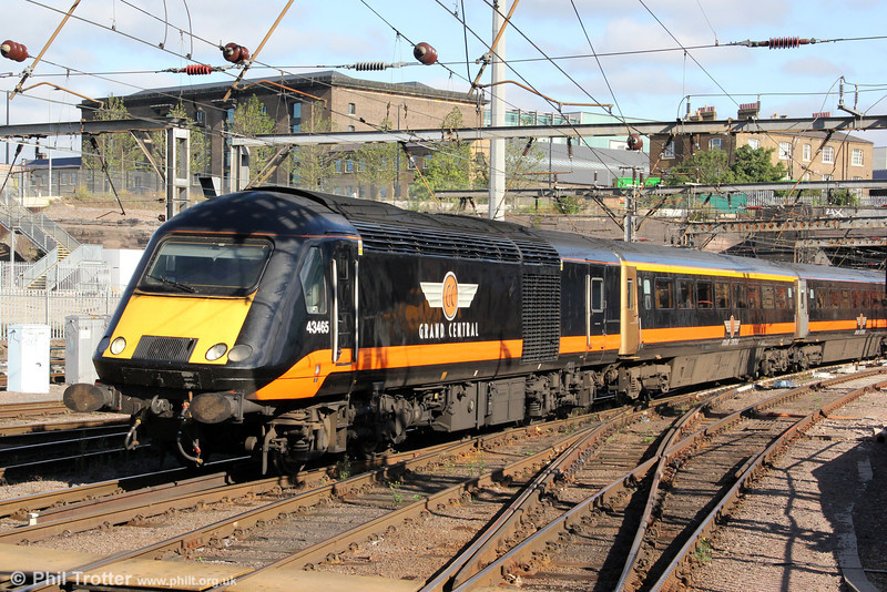 Grand Central's 43465 rolls into Kings Cross with 5N90, 0831 from Ferme Park, ready to form 1N90, 0948 to Sunderland on 26th August 2012.