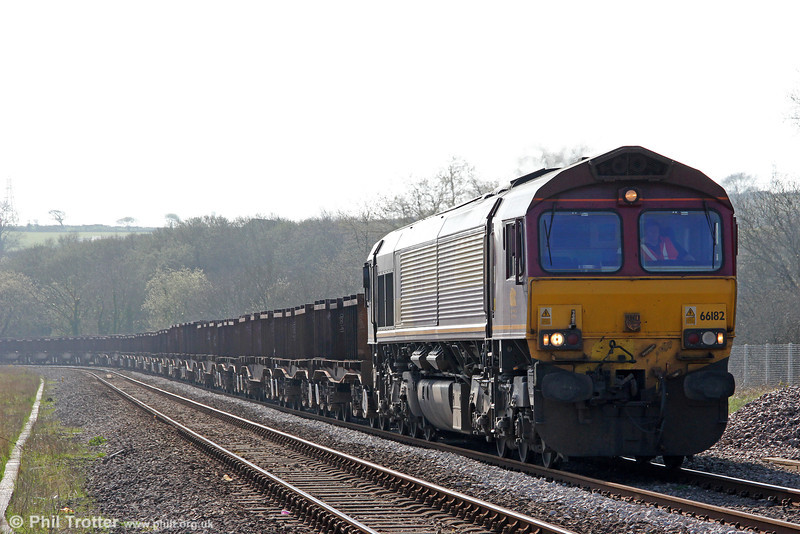66182 approaches Llangennech with 6B16, 1536 Trostre to Margam on 25th March 2012.