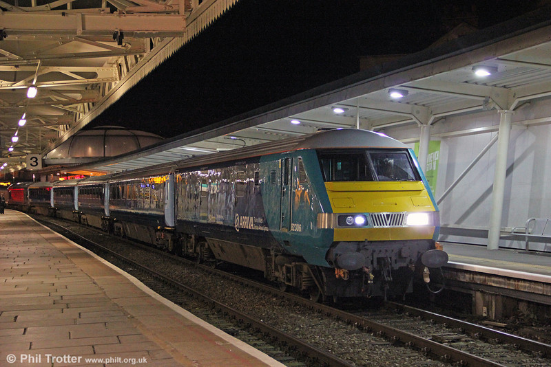The northbound ATW premier train has been retimed and now runs a couple of hours later than hitherto. On 29th November 2012, DVT 82306 leads 1W94, 1821 Cardiff Central to Holyhead at Newport. Power was provided by 67003.