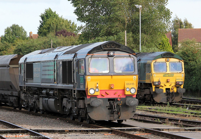 DRS 66415 at Stoke Gifford Yard with 4V22, 0930 from Fiddlers Ferry Power Station on 1st September 2012. Alongside is 66514 which had arrived earlier with 4V06, 0853 from Rugeley Power Station