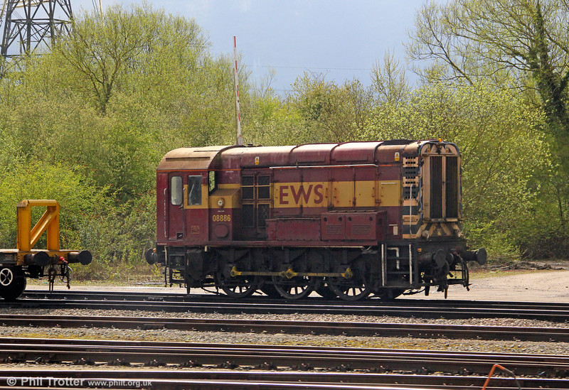 08886, the former D4116, is the current inmate at Hinksey Yard, as seen on 21st April 2012.