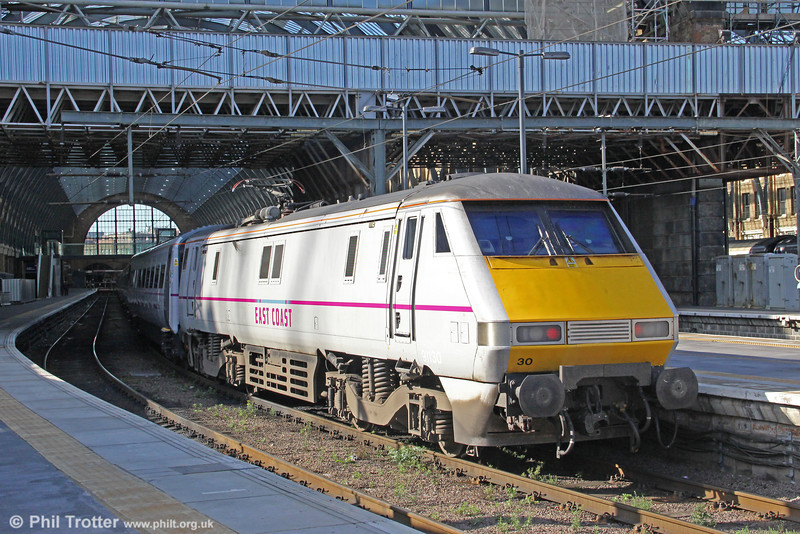 91130 sits at Kings Cross waiting to depart with a later service for the north on 26th August 2012.