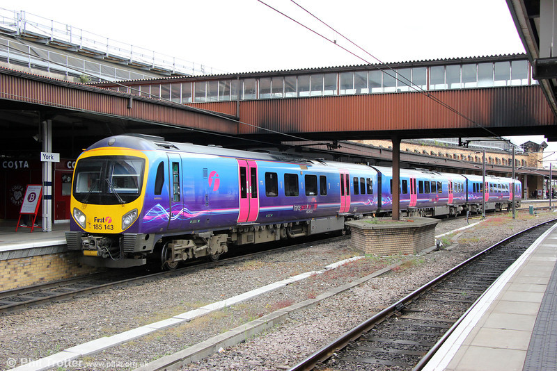 185143 calls at York forming 1P42, 1435 Manchester Airport to Middlesbrough on 3rd July 2013.