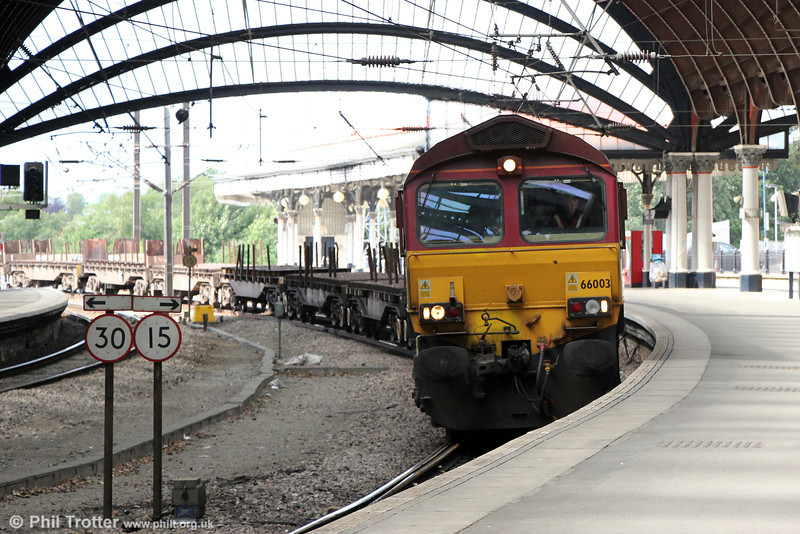 66003 passes York with 6D11, 1323 Lackenby to Scunthorpe on 1st July 2013.