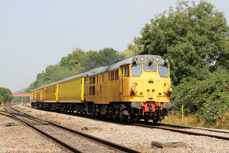 31233 passes Haresfield with 3Z01, 1043 Derby RTC to Westbury on 26th August 2013.