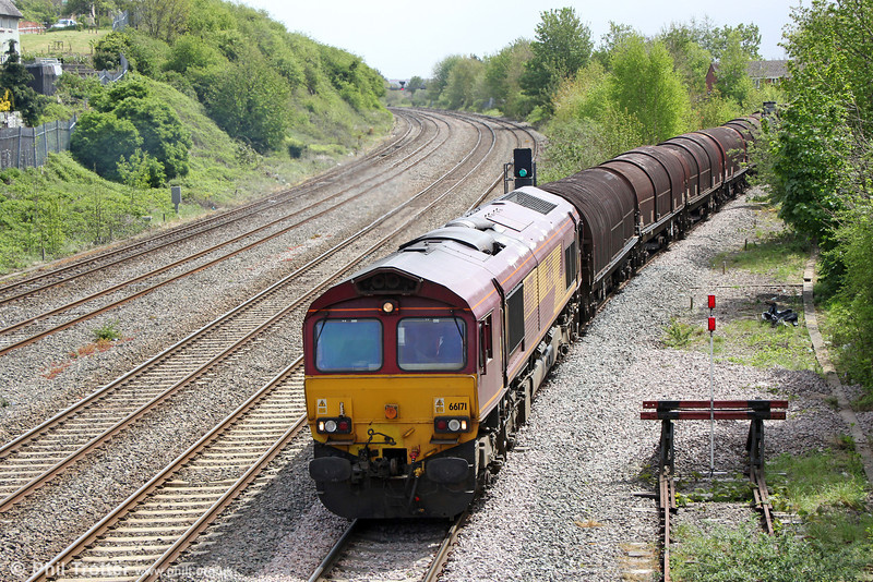 66171 propels 6H35, 0932 Margam to Birdport onto the East Usk Branch on 10th May 2013.