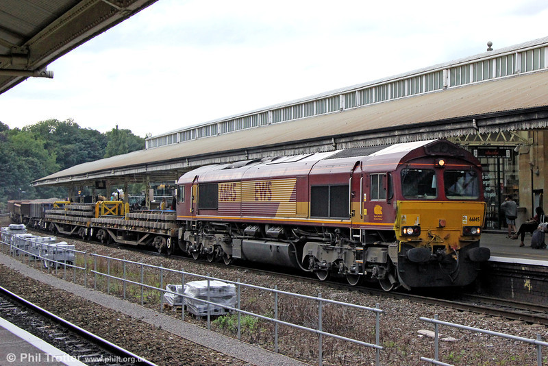 66145  passes through Bath with 6W36, 1200 Cathays to Westbury on 7th September 2013.