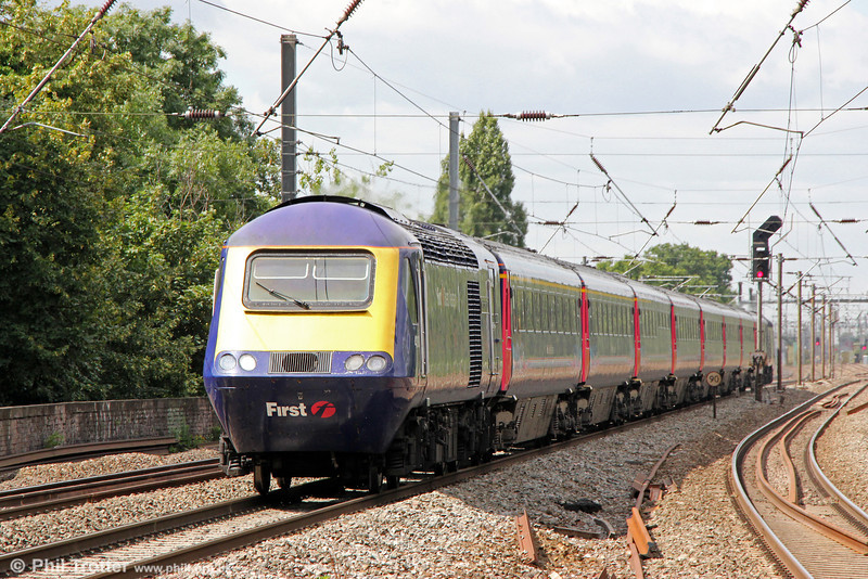 43160 'Sir Moir Lockhead OBE' passes Hanwell with 1A13 1030 Bristol Temple Meads to London Paddington on 10th August 2013.
