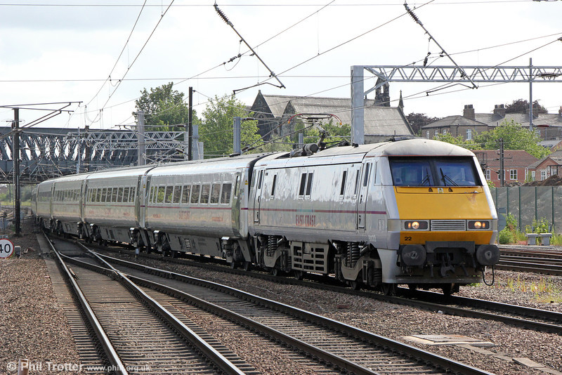 91122 at York with 1S23, 1530 London Kings Cross to Glasgow Central on 1st July 2013.