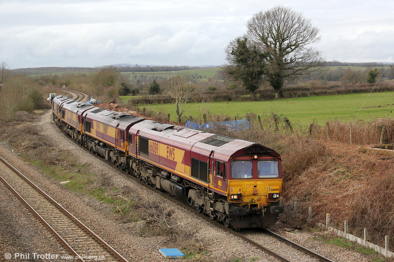 66089, 66181, 66020 and 66112 pass Lendevenny forming 0O12, 1106 Margam to Eastleigh on 16th March 2013.