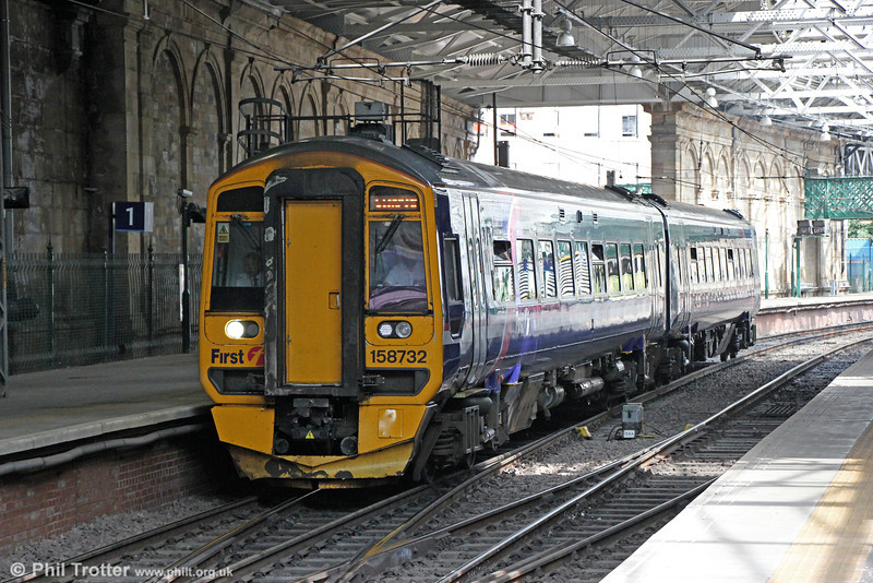 158732 at Edinburgh Waverley forming 2K05, 1417 Newcraighall to Glenrothes with Thornton on 12th July 2013.