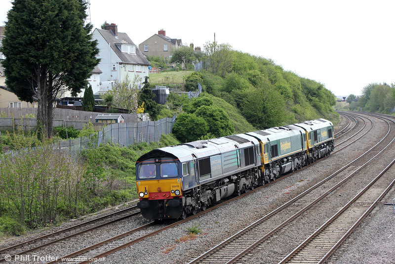 66419 leads 66604 and 66552 'Maltby Raider' past East Usk forming 0M07, Stoke Gifford to Crewe Basford Hall on 10th May 2013.