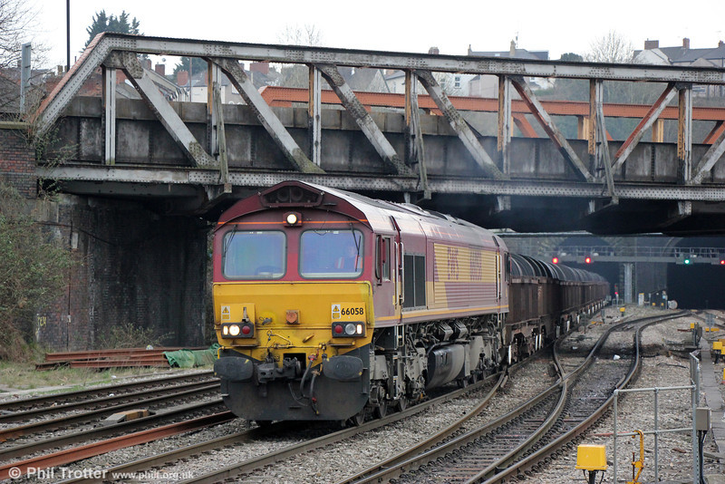 66058 passes Newport with 6E30, 1621 Margam to Hartlepool on 9th April 2013.
