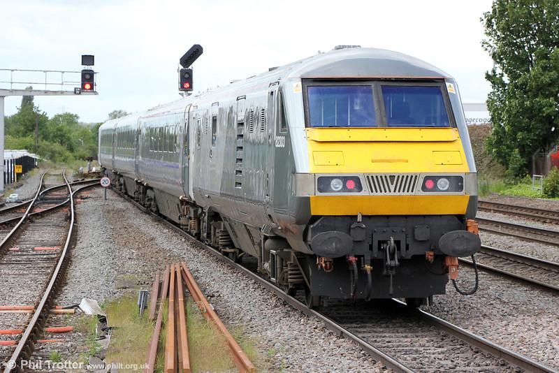 DVT 82303 trails Chiltern Mainline 1R25, 1106 London Marylebone to Birmingham Moor Street as it departs from Leamington Spa on 15th June 2013.