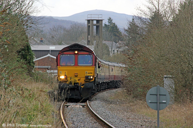 66016 winds through the former Ammanford Town Station (closed 1958) with UK Railtours 1Z66, 1520 Gwaun Cae Gurwen to London Paddington, 'The Amman Valley Ranger' on 9th March 2013.