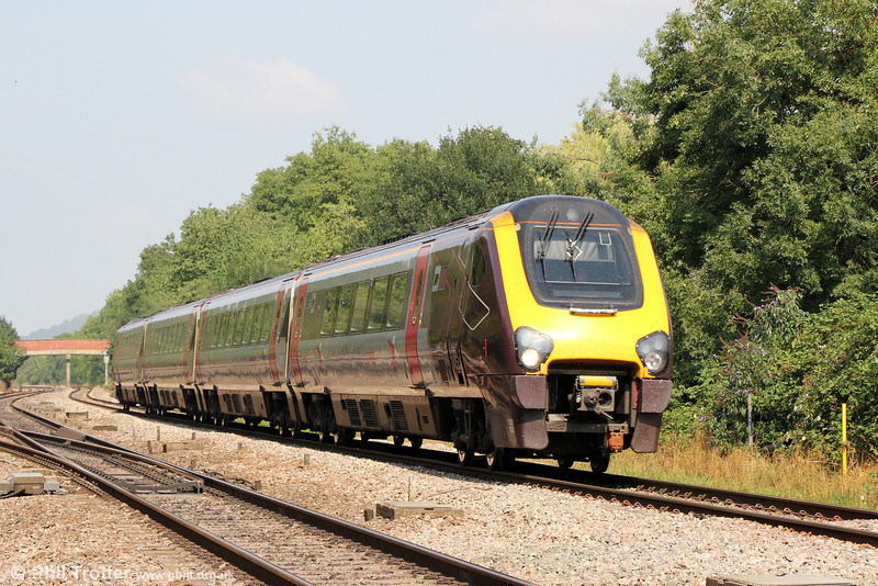 220022 passes Haresfield forming 1V54, 0632 Dundee to Plymouth on 26th August 2013.