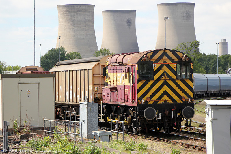 08752 against the backdrop of Didcot Power Station's cooling towers on 8th June 2013.