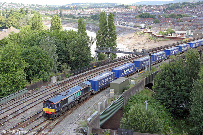 DRS 66428 crosses the River Usk on the approach to Newport with 4V38, 0909 Daventry to Wentloog 'Tesco Express' on 18th August 2013.