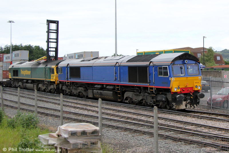 Former DRS 66414 and 66567 at Bristol West Freightliner Depot on 22nd June 2013. 66414 had earlier arrived with 4V36 from Ipswich, and 66567 on 4V30 from Tilbury. Both would later run as 0C30 to Stoke Gifford.