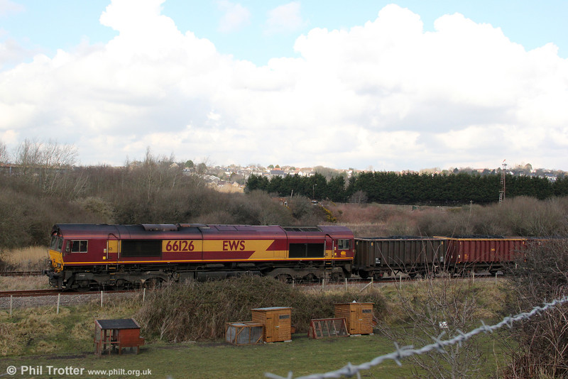 66126 traverses the Genwen Loop at Llandeilo Junction with the diverted 6O70, 1355 Gwaun Cae Gurwen to Onllwyn on 19th March 2013.