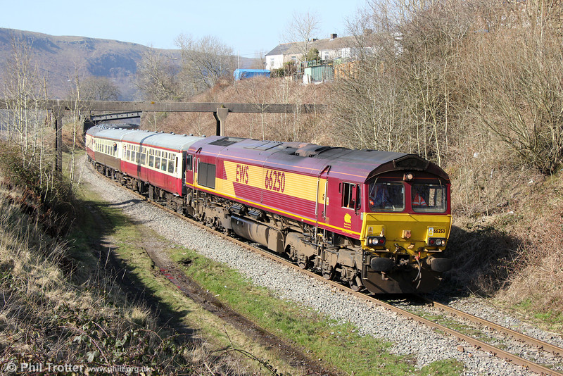 66250 passes Bedlinog with UK Railtours 1Z63, 1315 Cwmbargoed to Tower Colliery, 'The Tower Gateway' on 9th March 2014.