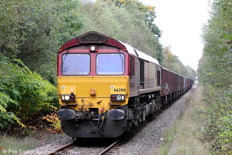 66200 'Railway Heritage Committee' at Pontarddulais with 6O70, 1355 Gwaun Cae Gurwen to Onllwyn on 17th October 2014.