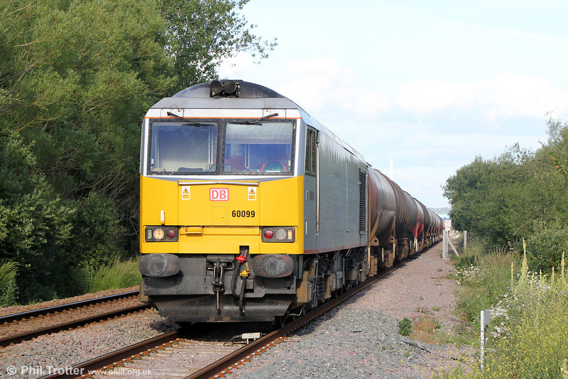 60099 passes Duffryn West, Llanelli with 6B33, 1300 Theale to Robeston on 24th June 2014.