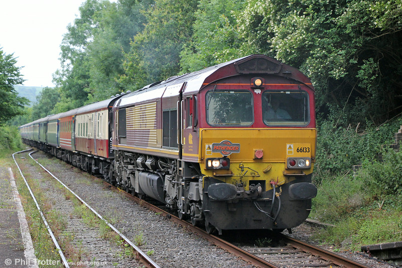 66133 approaches Llandeilo with Pathfinder's 1Z25, 0625 Banbury to Llandrindod Wells, 'The Heart of Wales Rambler' on 12th July 2014.