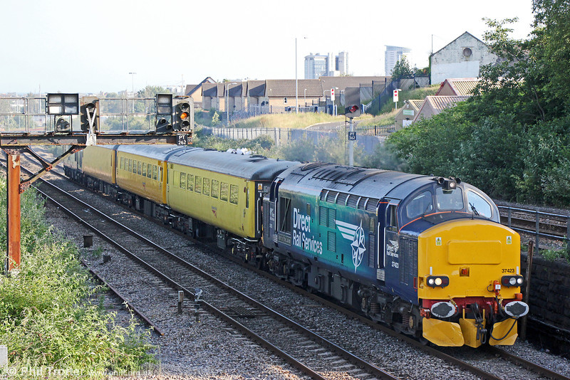 37423 'Spirit of the Lakes' in revised livery leads 1Q13, 1846 Landore TMD to Crewe via Aberdare out of Swansea on 20th June 2014. Classmate 37604 was at the rear.