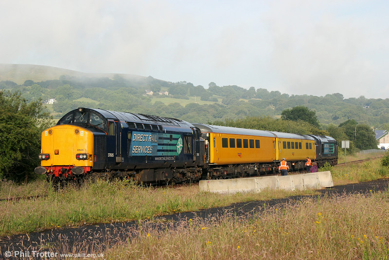 DRS 37605 and 37602 at Gwaun Cae Gurwen with Infrastructure Monitoring train 1Q05, 0549 Landore TMD to Newport on 27th June 2014.