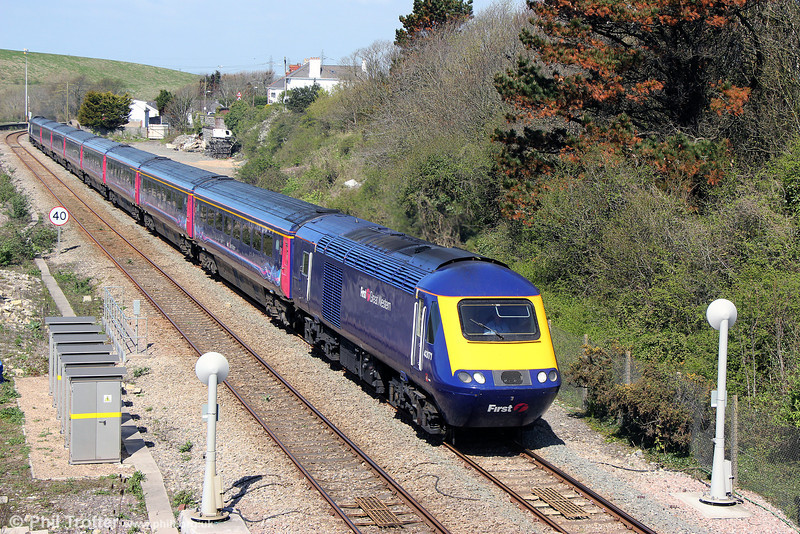 43171 at Aberthaw with 1L54, 1054 Swansea to London Paddington on 13th April 2014. Note the new style signalling equipment.