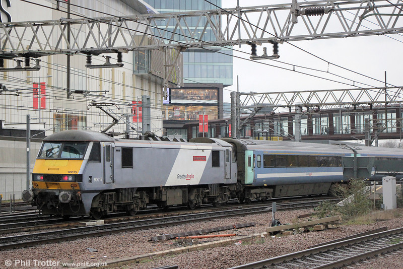 90015 'Colchester Castle' at Stratford propelling 1P32, 1330 London Liverpool Street to Norwich on 31st January 2014.