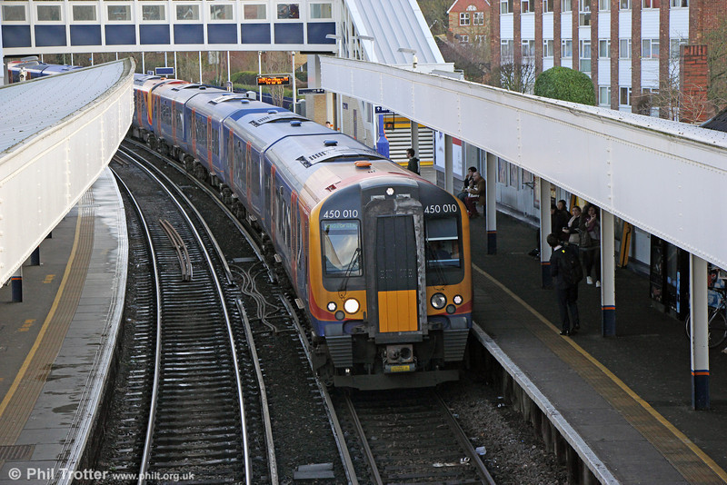 450010 calls at Staines forming 2U33, 1228 London Waterloo to Windsor and Eton Riverside on 16th January 2014.