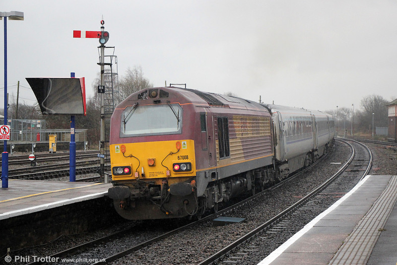 67008 propels 1H55, 1312 Birmingham Snow Hill to London Marylebone away from Banbury on 29th January 2014.