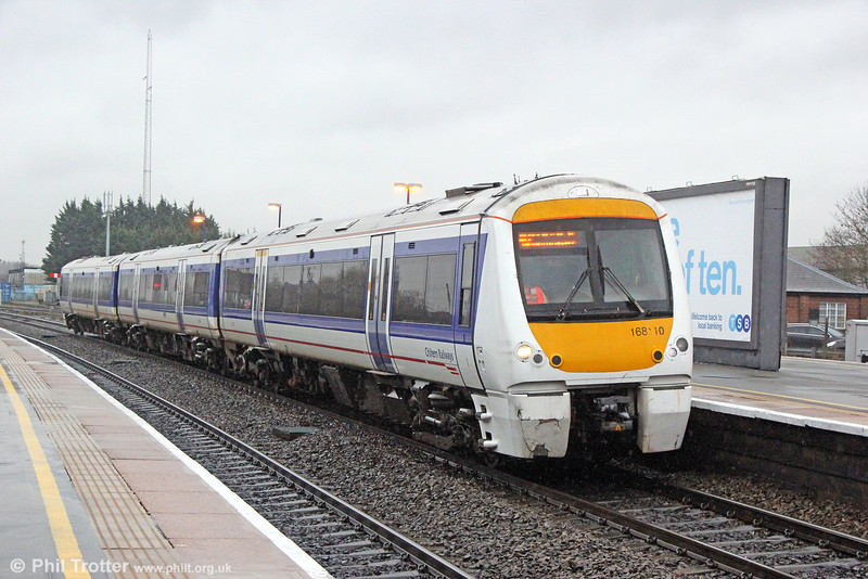 168110 arrives at Banbury forming 1R42, 1415 London Marylebone to Birmingham Moor St. on 29th January 2014.