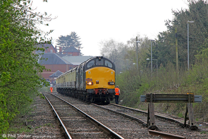 DRS 37612 and 37611 at Llandrindod Wells with Pathfinder Tours 1Z49, 0707 from Eastleigh, 'The Heart of Wales Meanderer' on 21st April 2014.