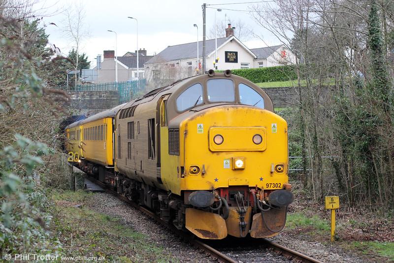NR 97302 at Pontarddulais with 1Q05, 0855 Newport ADJ to Landore via Onllwyn, Cwmgwrach and Pontarddulais on 17th January 2015.