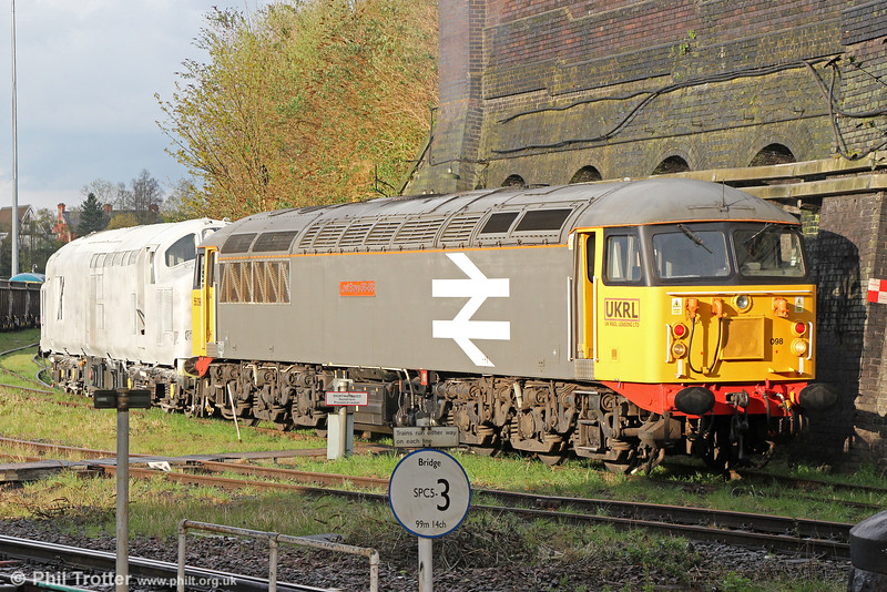 UKRL's 56098 'Lost Boys 68-88' shunts Spanish returnee 37800 at Leicester depot on 27th April 2016. 37800 is the one-time 'Glo Cymru'.