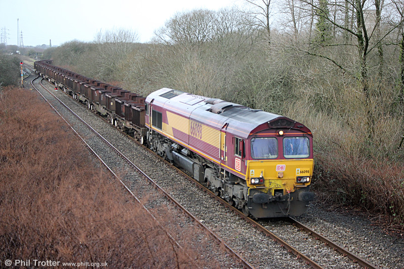 66098 departs Trostre Works with 6B61, 1118 to Margam on 31st December 2017.