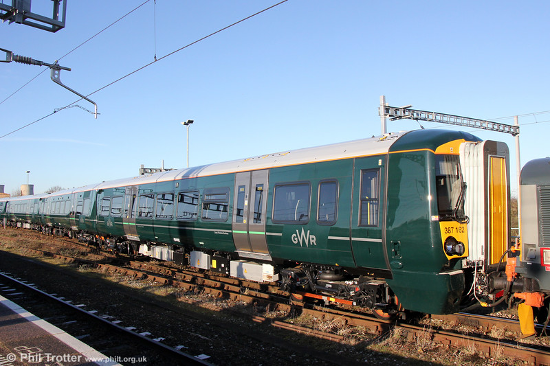 Out of storage and into service: Brand new GWR 387162 at Didcot on 28th December 2017.