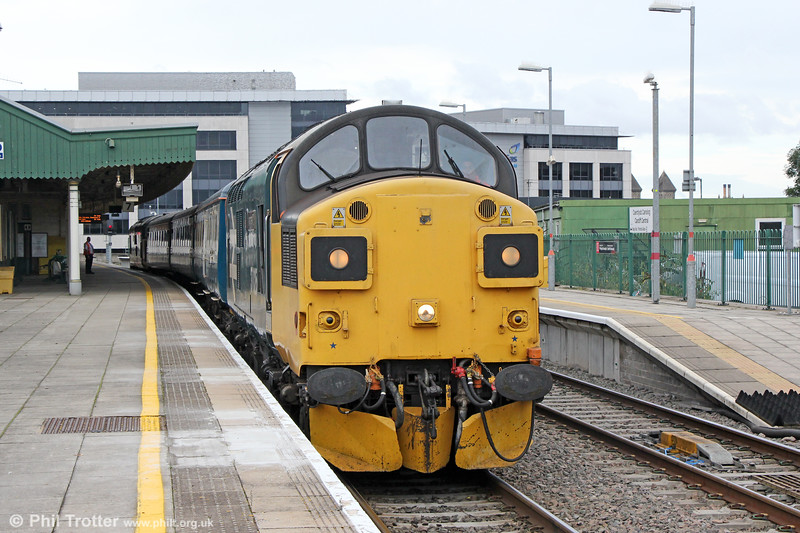37025 at Cardiff Central with 3Z12, 10:55 Rhymney to Cardiff Canton crew training run on 23rd September 2019.